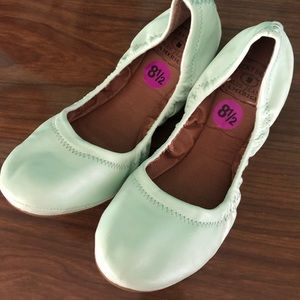 Lucky Brand mint green leather flats 8.5